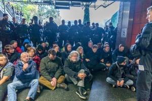 Antifa-Blockade im Bahnhof Deutz